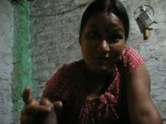 bangladeshi bhabhi giving blowjob