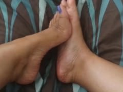 Feet	Arab	Indian