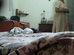 Indian aunty favour foreigner Salwar to Peticoat exposing circa