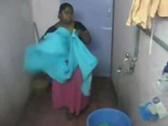 Indian fat Chennai aunty up shower hiddencam
