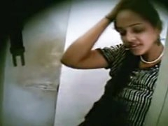 Indian College Chick Sex In Cyber Cafe