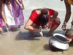 Beautiful Indian Dame Catch Fish