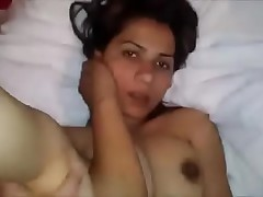 NRI Desi indian woman sexual relations surrounding tourist house room