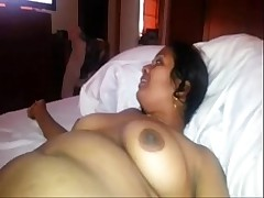 indian X-rated aunty sucking cock