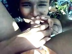 Indian scared telugu girl boobs exposed and giving bj to her -