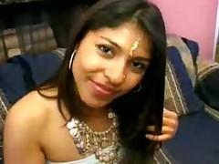 Indian chick takes on two cocks - Pornhub.com